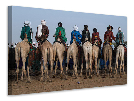 Leinwandbild Watching The Gerewol Festival From The Camels - Niger